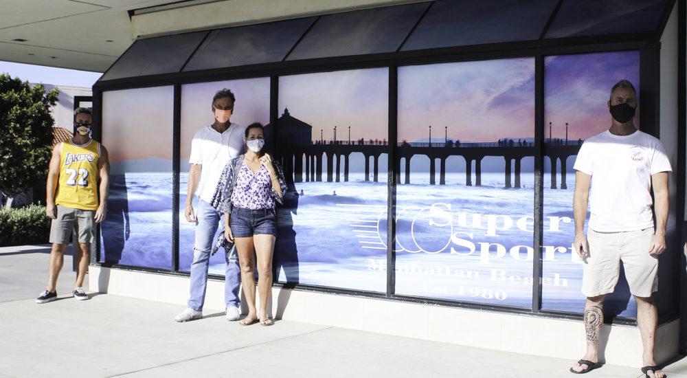 Super Sports strings along appreciative Manhattan Beach for 40 years
