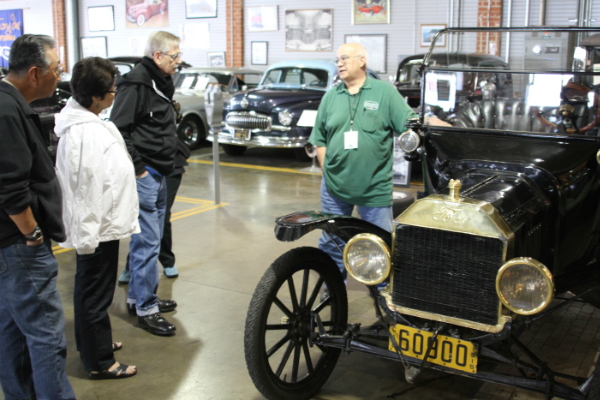 docent-wayne-singer-talks-about-the-1915-ford-model-t-roadster-to-a-tour-group-on-sunday