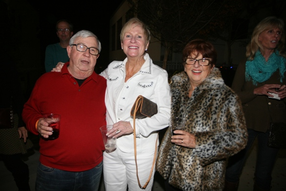 Linda Lang (center) with Bob and Dorthy Courtney.