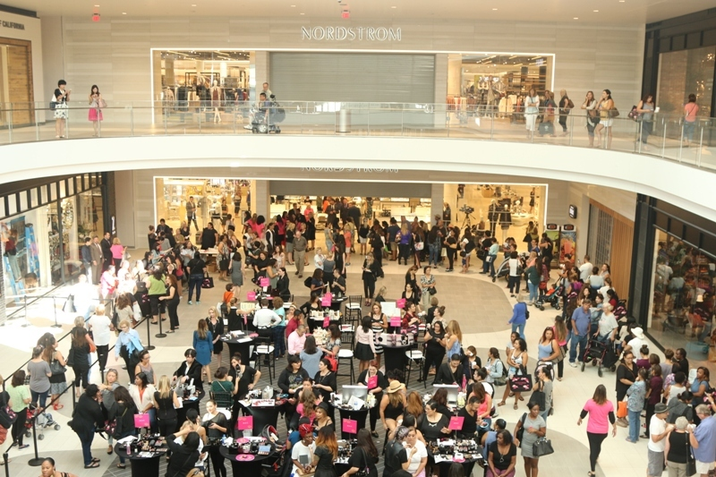 del amo fashion center opens new nordstrom 55 other new stores. Black Bedroom Furniture Sets. Home Design Ideas