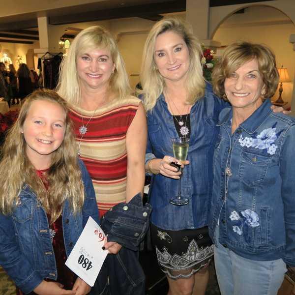 Leah Lengkeek, Paula Lengkeek, Jill Medawar and Donna Scherlacher.